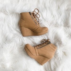 The perfect Wedge Booties